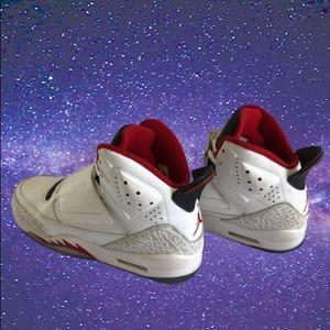 ⭐️Boys Nike Air Jordan Son of Mars Sneakers 6Y ⭐️